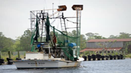 crisis_in_gulf_shrimp_boat_200.jpg