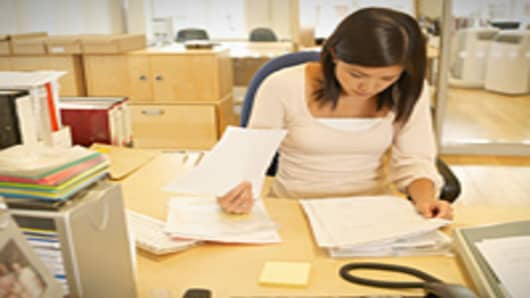 secretary_intern_200.jpg
