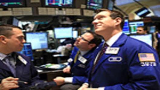 traders_NYSE_happy4_140.jpg