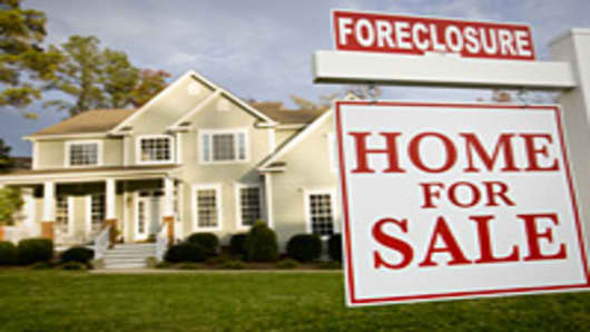 Investors Raising Cash to Buy Government Foreclosures
