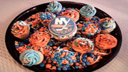New York Islanders cupcakes