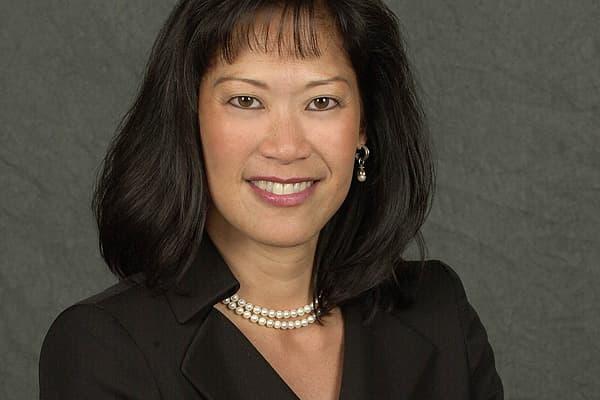 Rank: 9Firm: Merrill LynchLocation: San Francisco, Calif.Team Assets: $950 millionDebbie Jorgensen was ranked No. 10 on the 2009 Barron's Top 100 Women Financial Advisors list.