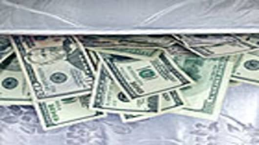 money_in_mattress_140.jpg