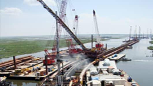 new_orleans_surge_barrier_200.jpg