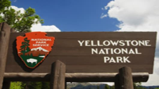 yellowstone_park_sign_200.jpg