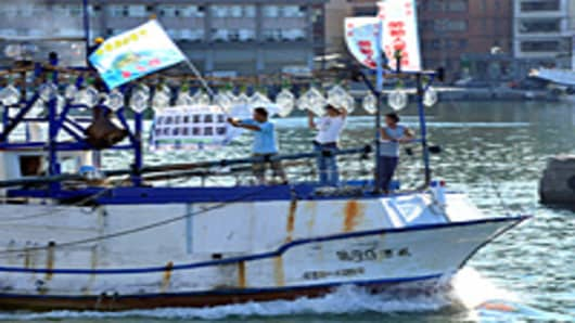 chinese_trawler_protest_200.jpg