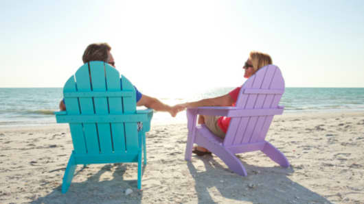 couple_beach_chairs_200.jpg