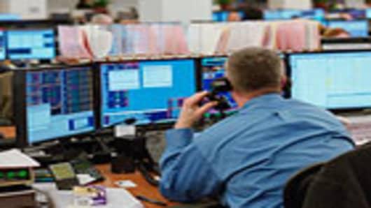 finance_broker_desk2_140.jpg
