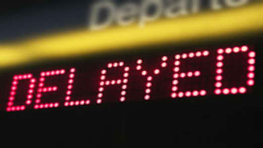 flight_delayed_sign_200.jpg
