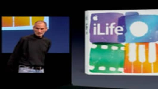 Steve Jobs presents iLife 11.