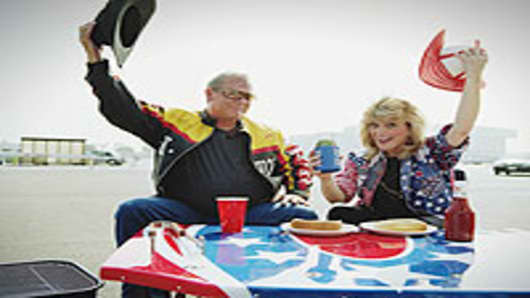 tailgating_couple_200.jpg