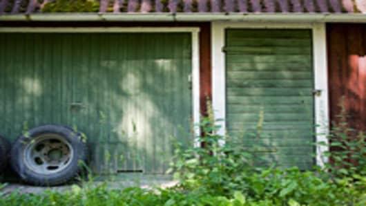 old_garage_200.jpg