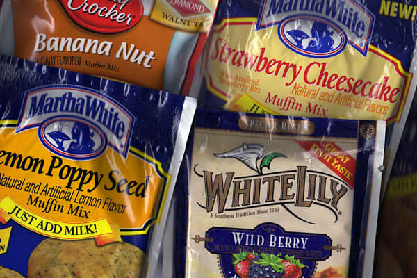 Keeping with the cooking-at-home theme of 2009 supermarket shopping, baking mixes saw a year-over-year increase in sales of 5.4 percent. A rule for supermarkets in 2009 seemed to be if consumers couldn't eat it, they decided they didn't need it. General merchandise lost ground with a 5 percent sales decline while edibles were up almost across the board.