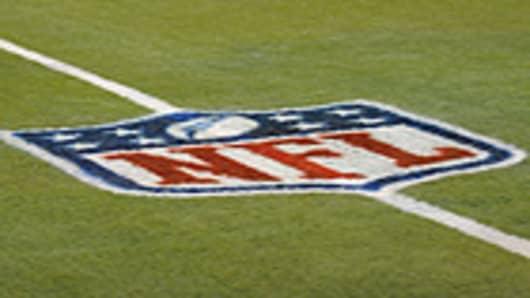nfl_logo_field_140.jpg