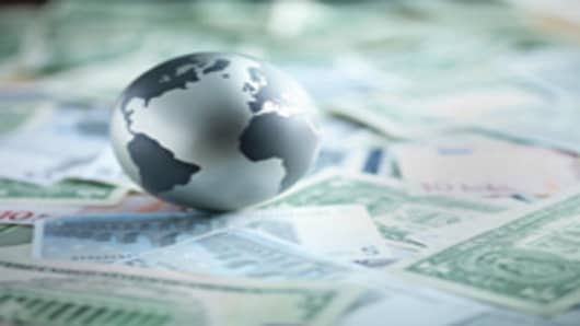 globe_currency_200.jpg