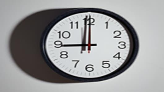 clock_9_200.jpg