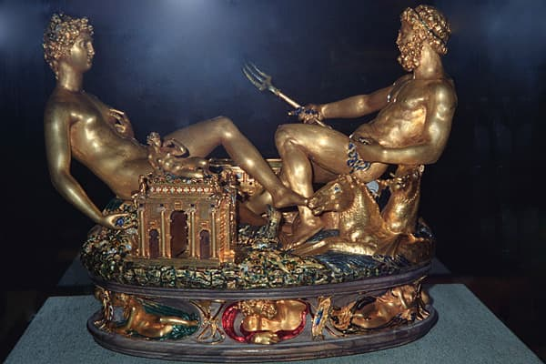 "Estimated Value: $70 millionArtist: Benvenuto CelliniLocation: Vienna, AustriaRobert Mang, who pulled off Austria's biggest art heist when he stole the famous 16th century gold-plated sculpture, La Saliera, in 2003, said he was drunk at the time he did it. Mang  buried the figurine in a forest outside Vienna, but ultimately turned himself in. He was sentenced to four years in prison for his self-described ""spontaneous prank."""