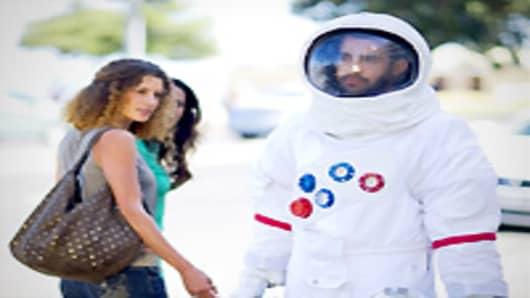 astronaut_200.jpg