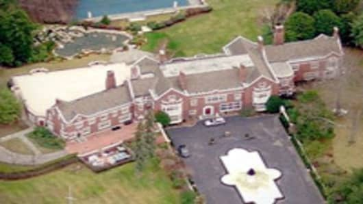 Dunellen Hall, Helmsley CT Mansion