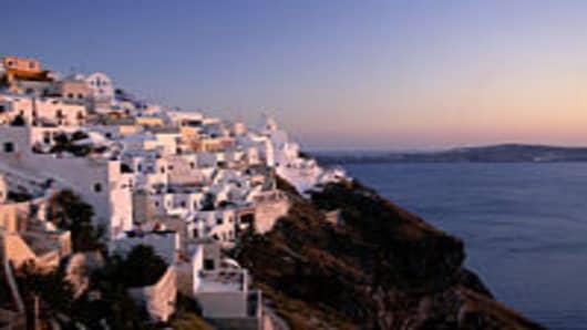 TOWN OF FIRA, SANTORINI, GREECE TOWN OF FIRA, SANTORINI, GREECE