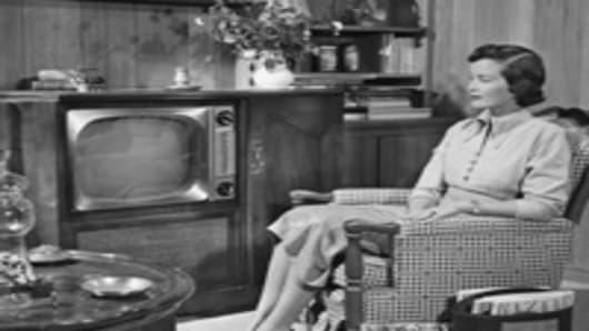 1950_woman_tv_200.jpg