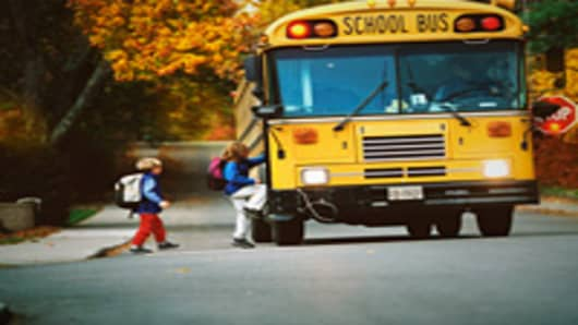 kids_getting_on_school_bus_200.jpg