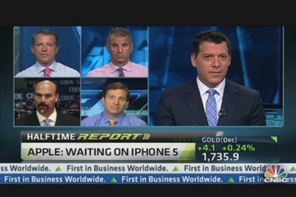 Apple: Waiting on iPhone 5