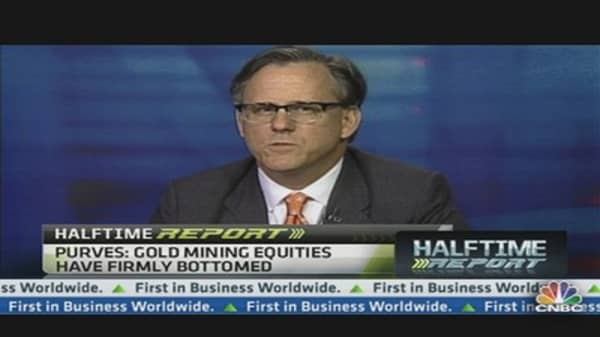 Gold to Hit $2,000 by Year End: Strategist