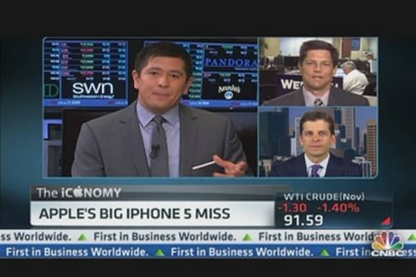 Apple Misses Estimates on iPhone 5 Expectations
