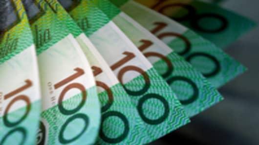 Australia-$100-bills_200.jpg