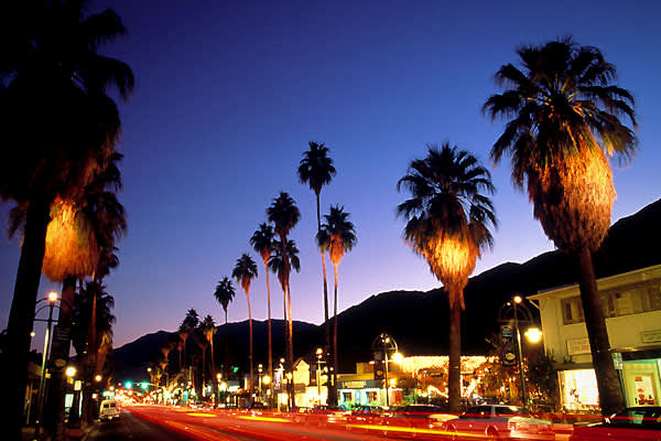 Holiday Rank: 10Thanksgiving Rank: 8Christmas Rank: 21Palm Springs was the destination for 13,406 flights last year. Thanksgiving brought in 464 of those flights and Christmas drew another 361 flights. While downtown Palm Springs' annual Festival of Lights parade is a favorite tradition, Palm Springs is a resort town that's likely to draw a significant number who are not traveling for holiday purposes.