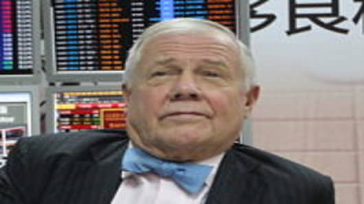 American investor and financial commentator Jim Rogers visits a branch of Xiangcai Securities  in Wenzhou, Zhejiang Province of China.