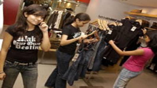 Young girls shopping in Mumbai