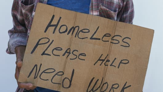 homeless-man-with-sign-200.jpg