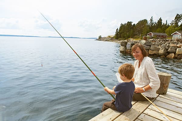 """Statutory holidays: 25Public holidays: 11In Sweden, employees are entitled to paid annual leave of 19 days after 9 months of employment and 25 days after a year at the job. The country also stipulates 11 hours of rest between shifts and there are strict limits on the number of over-time hours employees are allowed to work — with a maximum of 50 overtime hours a month permitted over a period of 4 months.Public holidays in Sweden are often referred to as """"red days,"""" printed in red in most calendar"""