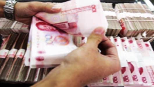 yuan-counting-new_200.jpg