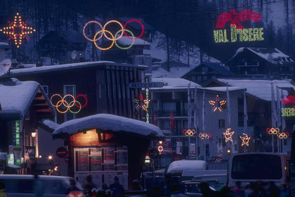 Boom or Bust? BustAlbertville hosted the Winter Olympic Games hoping to boost an ailing economy and stimulate flagging tourism in the French Savoy Alps. However because various towns in the region wanted a piece of the action, the 57 Olympic events were spread out over 13 locales and 620 square kilometers, which produced a logistical nightmare. The French government spent $1.1 billion on regional infrastructure. Another $189 million was invested in building or upgrading sports facilities.Organiz
