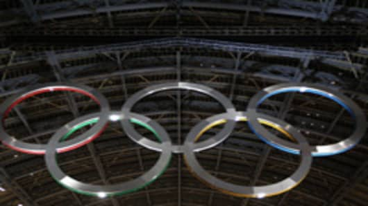 2012 Olympic Rings Unveiled at St Pancras International Station