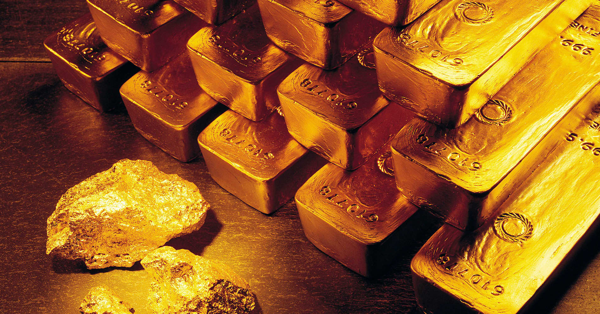 Gold prices gain on softer dollar