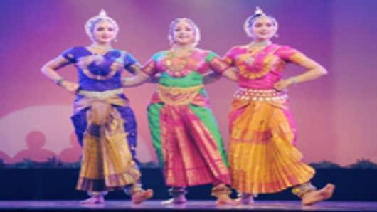 indian-classical-dancers_200.jpg