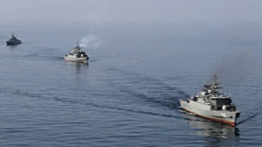 iran-strait-of-hromuz-navy-200.jpg