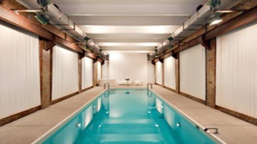 100k-rental-new-york-city-pool-300.jpg