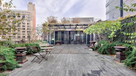100k-rental-new-york-city-deck-300.jpg
