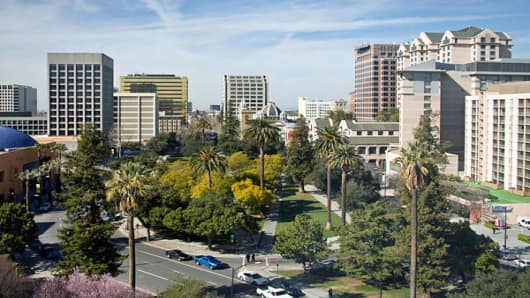 "Per capita GDP: $68,141San Jose is California's third-largest city, but it has the state's highest per-capita GDP. Located in the southern portion of the San Francisco Bay, the city was at the epicenter of the technology boom in the 1990s, and today ""The Capital of Silicon Valley"" is still its The city is close to bursting with technology companies. Adobe and Cisco Systems are headquartered there, and Hewlett-Packard, IBM and TiVo have major offices in the city. Kaiser Permanente and eBay are am"