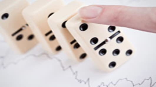 finger-tipping-dominos-200.jpg