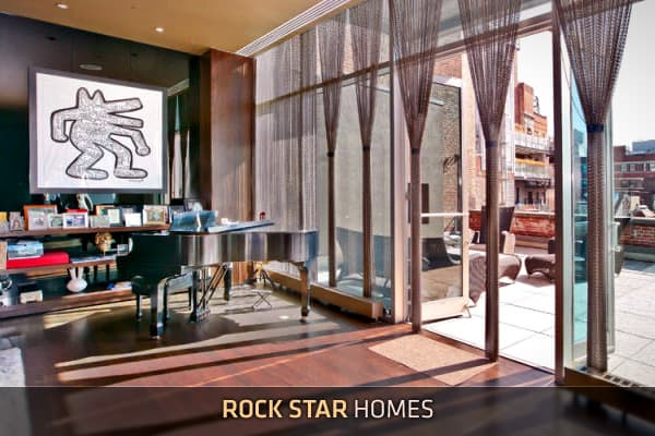 Musicians often have humble beginnings to their careers, sometimes playing on a subway platform or performing on the street for spare change. For the lucky ones who attain musical super stardom, they can afford previously unheard-of luxuries. And some of them buy star-worthy homes.This collection features the habitations of performers from rock to pop and beyond. We've got two glamorous homes associated with American Idol, and two not-to-be-believed properties in New York City. Let's begin this