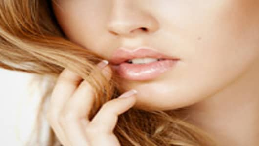 woman-sexy-lips-200.jpg