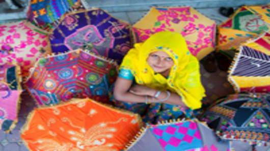 india-small-business-unbrella-merchant_200.jpg
