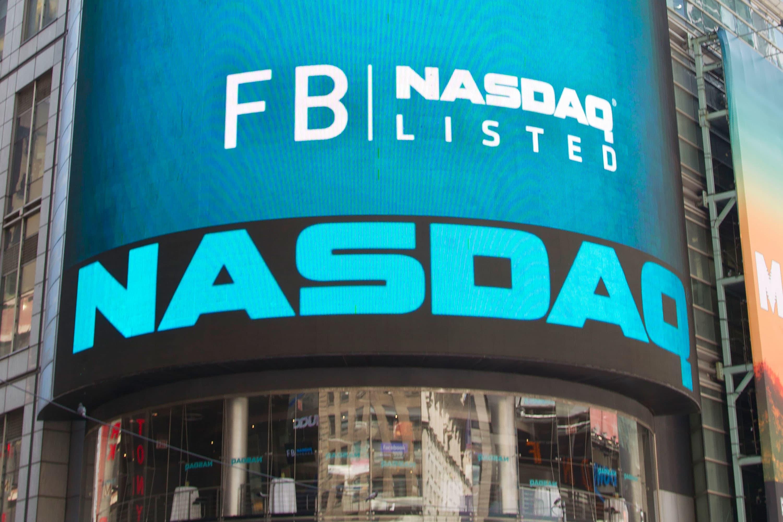 Facebook shares fall below ipo offering price buycottarizona
