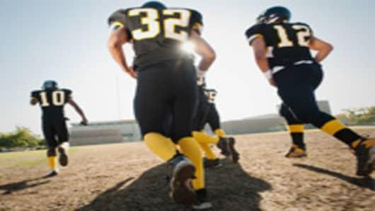 high-school-football-players-200.jpg